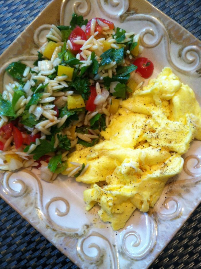 tabbouleh with scrambled eggs